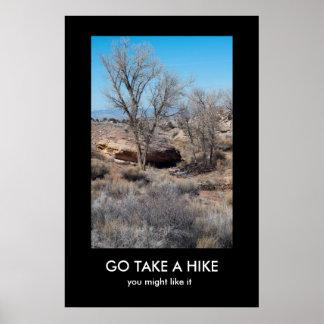 取りますハイキングのdemotivationalポスターを行って下さい ポスター