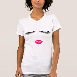 口紅およびまつげ Tシャツ