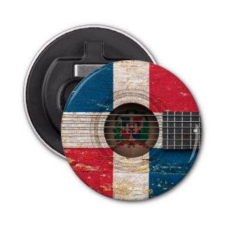 古いアコースティックギターのドミニカ共和国の旗 栓抜き