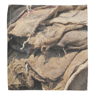 古いジュートの袋に入れること バンダナ