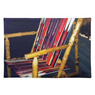 古いスキーによって作るべきスキー椅子のカッコいいの事 ランチョンマット
