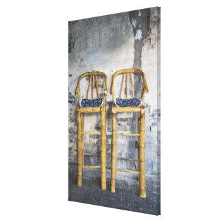 古いスタイルを作られたタケ椅子、Xitang、浙江、 キャンバスプリント