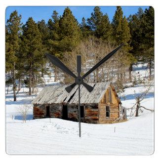 古い冬の小屋 スクエア壁時計