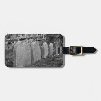 古い墓石 ラゲッジタグ