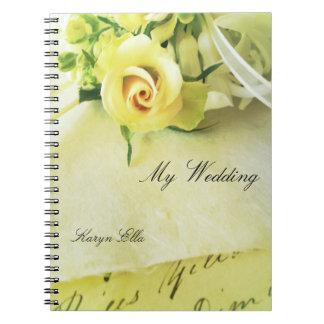 古い手書きの結婚式と上がりました ノートブック