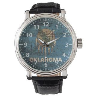 古い木製の穀物のオクラホマの州の旗 腕時計