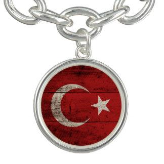 古い木製の穀物のトルコの旗 チャームブレスレット