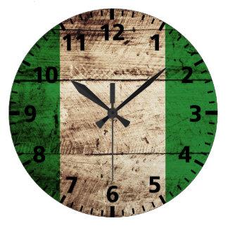 古い木製の穀物のナイジェリアの旗 ラージ壁時計