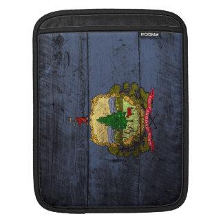 古い木製の穀物のヴァーモントの州の旗 iPadスリーブ