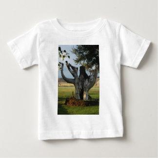 古い木 ベビーTシャツ