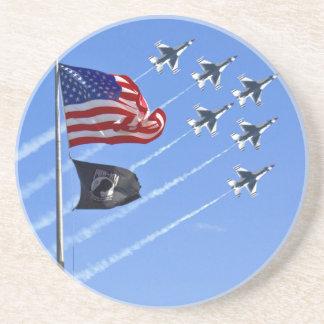 古い栄光及び雷鳥が付いている捕虜MIAの旗 コースター
