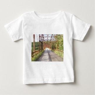 古い橋 ベビーTシャツ