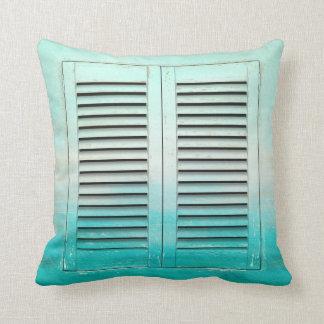 古い熱帯色の窓シャッター クッション