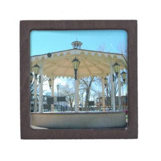 古い町の広場の望楼 ギフトボックス