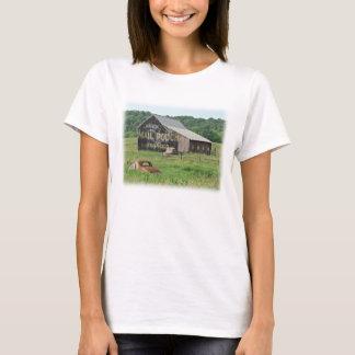 古い納屋郵便袋のタバコの広告 Tシャツ
