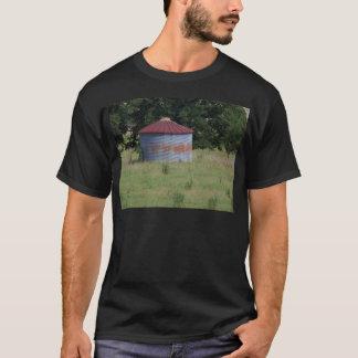 古い納屋 Tシャツ