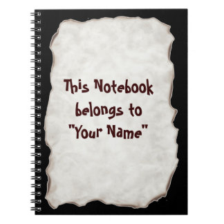 古い紙によって燃やされるノート ノートブック