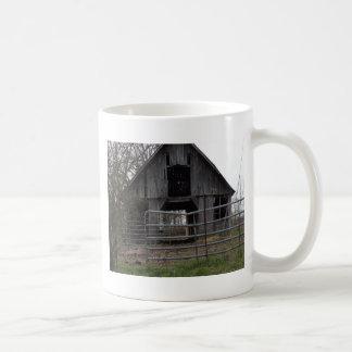 古い農場の納屋 コーヒーマグカップ