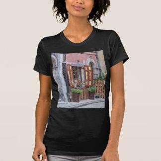 古い都市、ワルシャワ、ポーランド Tシャツ