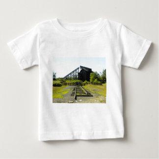 古い鉱山 ベビーTシャツ