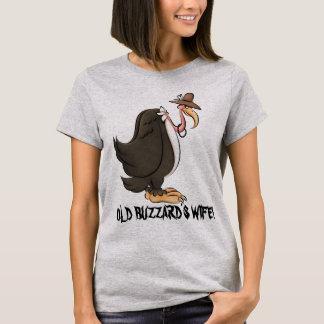 古いBuzzardの妻の女性のおもしろTシャツ Tシャツ
