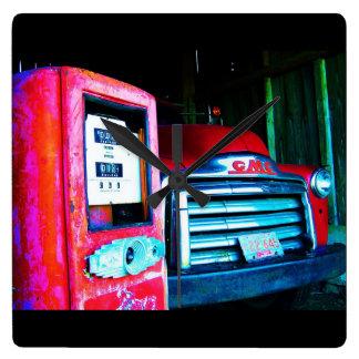 古いChevyの農場のトラック スクエア壁時計