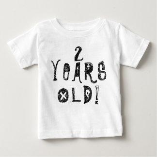 古くかわいいベビーのスカルの石2歳の誕生日の ベビーTシャツ