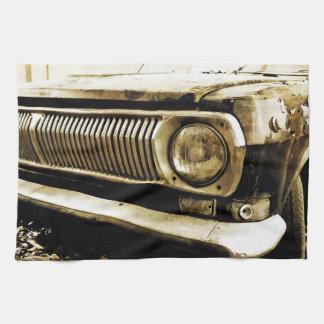 古くクラシックな車のヘッドライト#2 キッチンタオル
