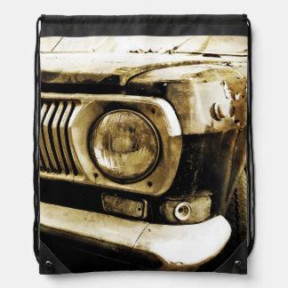 古くクラシックな車のヘッドライト#2 ナップサック