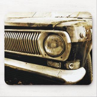 古くクラシックな車のヘッドライト#2 マウスパッド