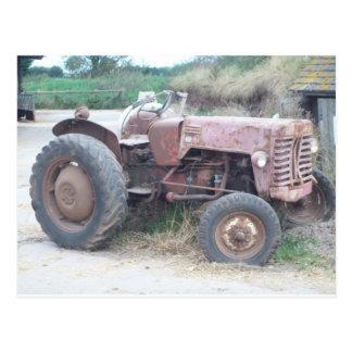 古く赤いトラクター ポストカード