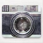 古く黒いカメラ マウスパッド