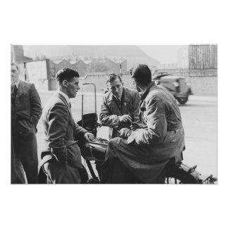 古く黒く及び白いイメージの写真のプリントを雑談している人 フォトプリント
