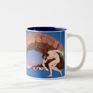 古代オリンピア、競争相手のトンネル ツートーンマグカップ
