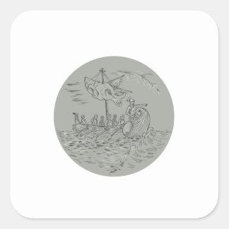 古代ギリシャ人の三段櫂船の軍艦の円のスケッチ スクエアシール