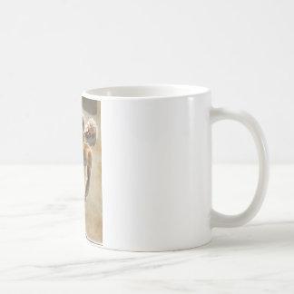 古代ギリシャ人の円盤投げ選手の彫刻 コーヒーマグカップ