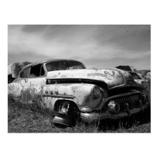古物置場のBuick車 ポストカード