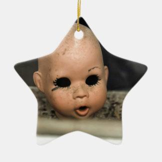 叫びのベビーのヴィンテージの人形の頭部の汚れた窓 セラミックオーナメント