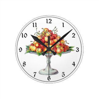 台のプレートのフルーツのさくらんぼ ラウンド壁時計