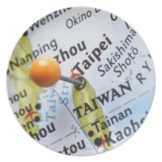 台北、地図の台湾に置かれるピンの地図を描いて下さい プレート