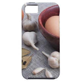 台所の未加工卵およびニンニクおよびスパイス iPhone SE/5/5s ケース