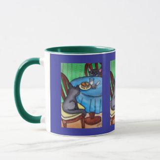 台所猫の夕食 マグカップ
