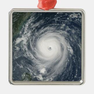 台湾に近づく台風Longwang メタルオーナメント