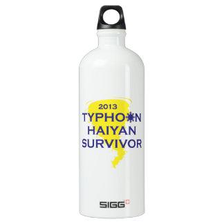 台風のHaiyanの生存者2013フィリピン ウォーターボトル