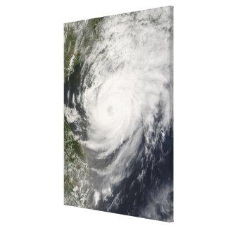 台風のNeoguriの接近の中国 キャンバスプリント