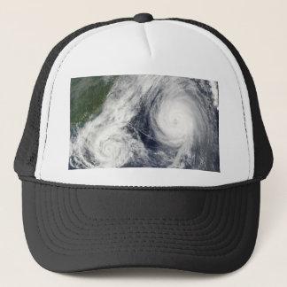 台風パーマ及びMelor キャップ