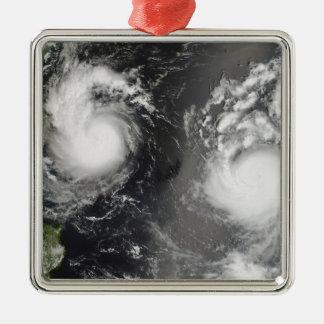 台風Saomaiおよび熱帯嵐Bopha メタルオーナメント