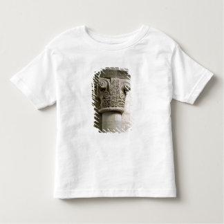 司教杖およびらせん状と飾られる切り分けられたコラム トドラーTシャツ