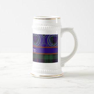 司教杖の一族の格子縞のスコットランドのキルトのタータンチェック ビールジョッキ