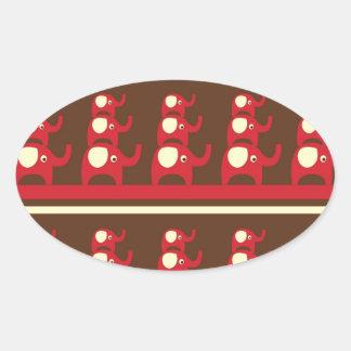 各Otの上に積み重なるかわいくおもしろいで赤い象 楕円形シール